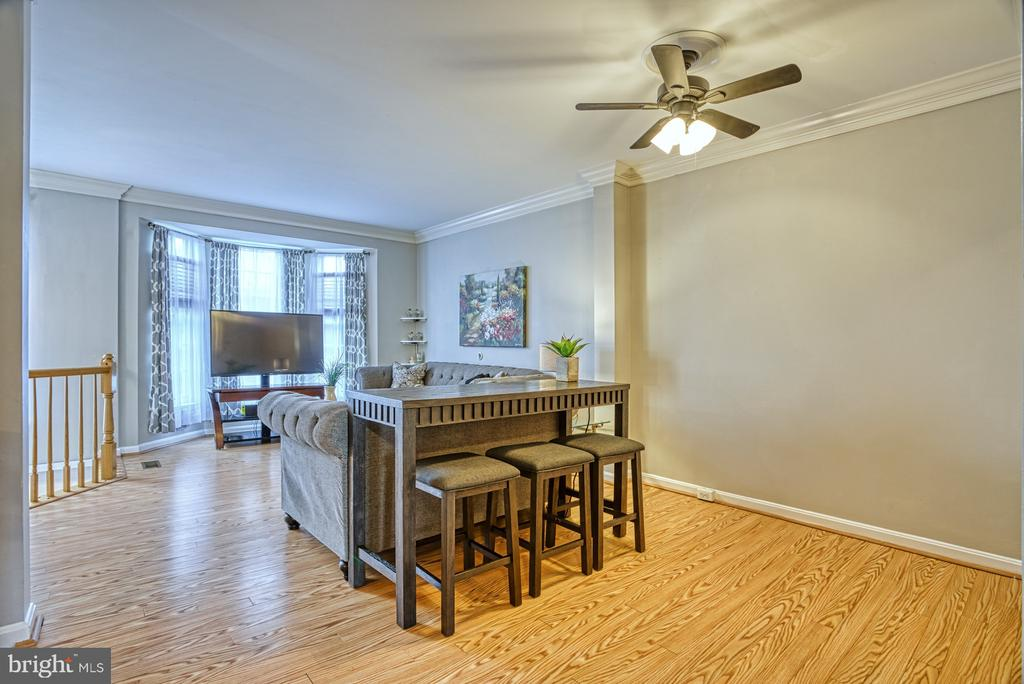 Versatile space, dining room or large family room - 8919 BENCHMARK LN, BRISTOW