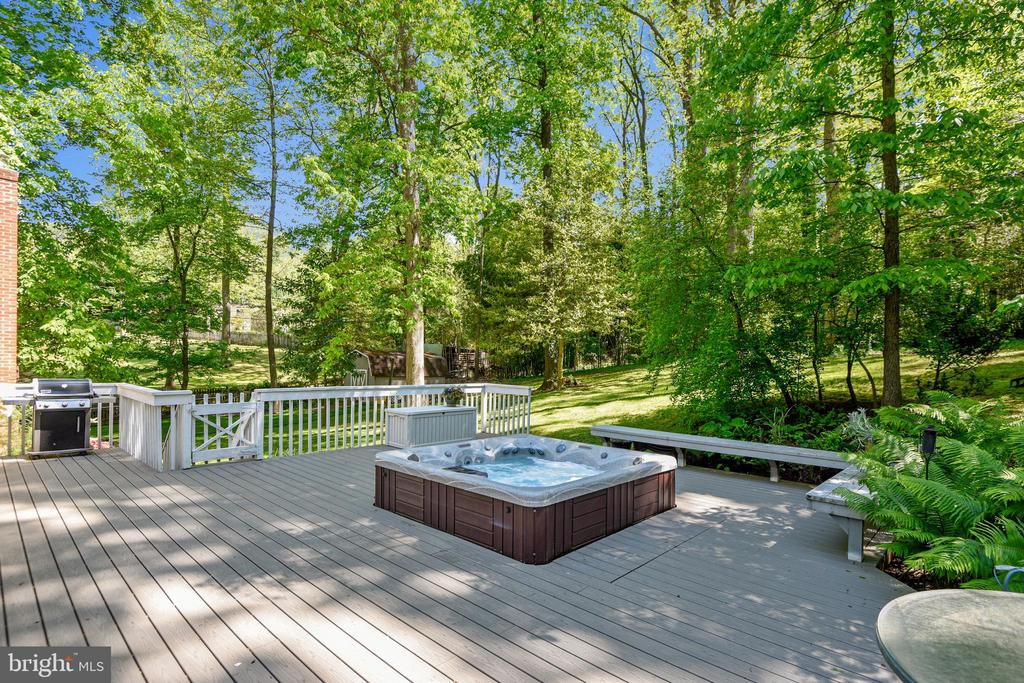 Oversized Deck Overlooking Private Trees - 1058 ULMSTEAD CIR, ARNOLD