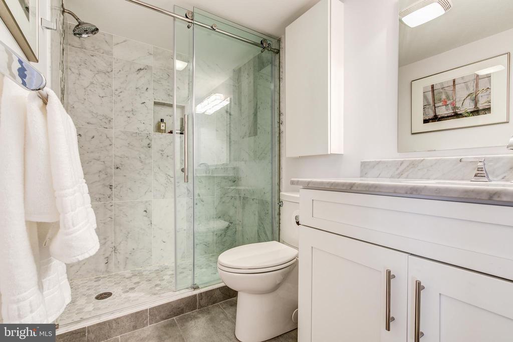 Bathroom - 4620 N PARK AVE #1411E, CHEVY CHASE