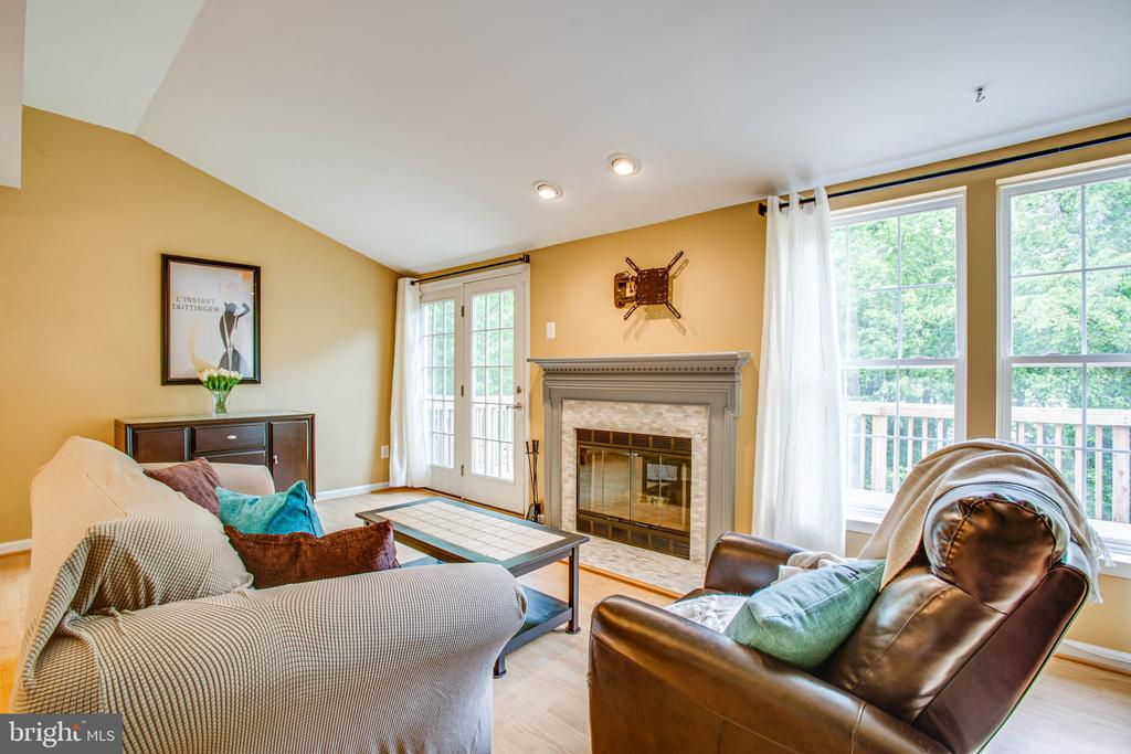 Wood Burning Fireplace feat Mantel & Tile Surround - 10001 GRASS MARKET CT, FREDERICKSBURG