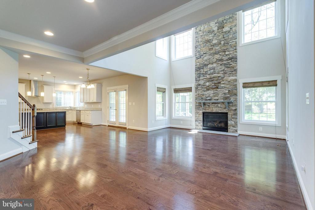 Open Concept Family Room/Kitchen - 2050 ARCH DR, FALLS CHURCH
