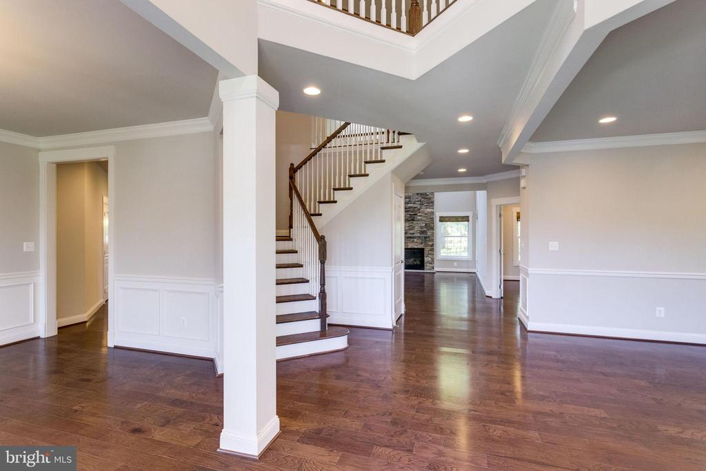 Dining Room/Hallway to Kitchen & Family room - 2050 ARCH DR, FALLS CHURCH