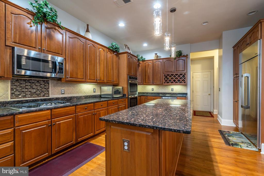 Kitchen - 20120 BLACK DIAMOND PL, ASHBURN