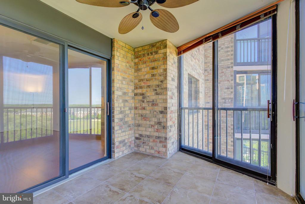 Sun Room/Screened-Porch with Ceramic Tile Floors - 5901 MOUNT EAGLE DR #1115, ALEXANDRIA
