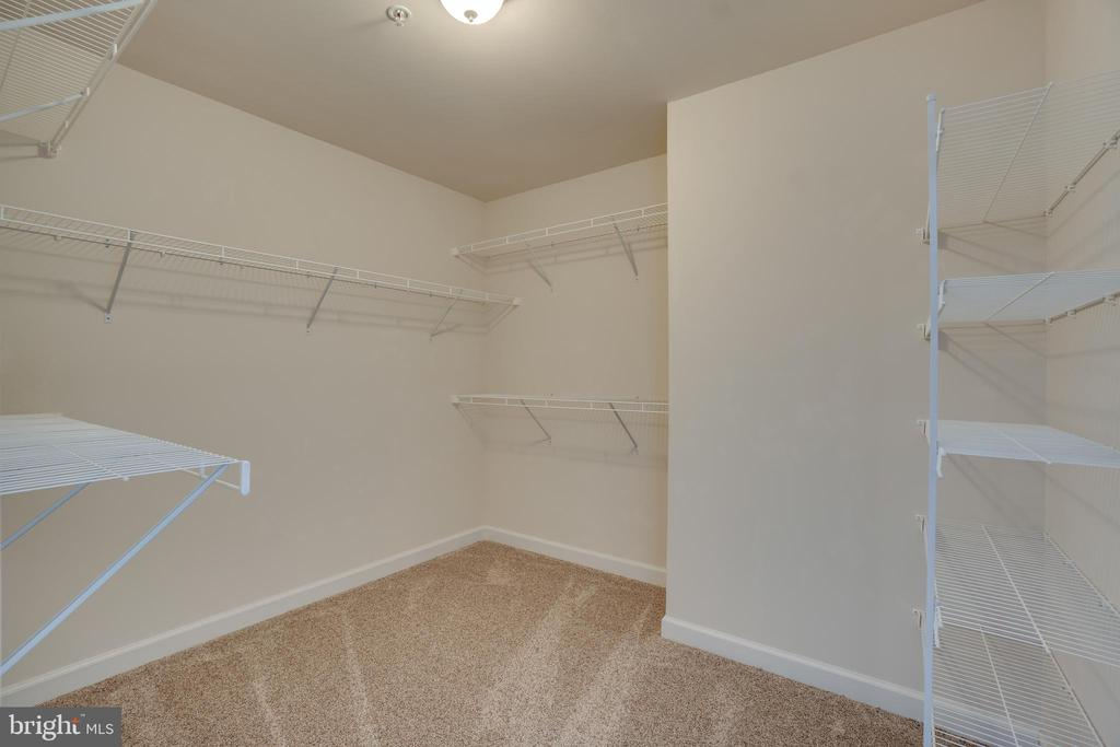 Extra storage on the 4rth floor - 20668 DUXBURY TER, ASHBURN