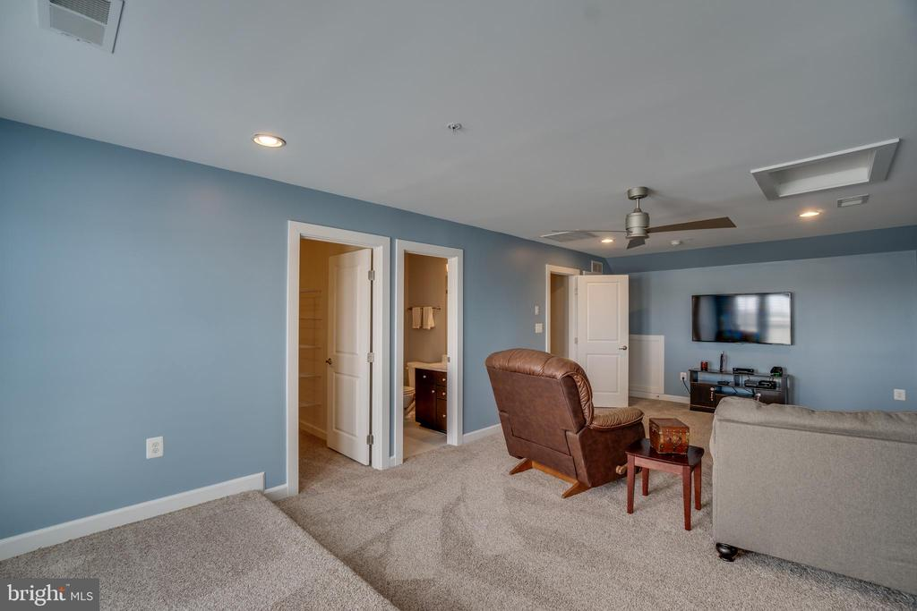 4rth Floor view with brand new carpet/padding - 20668 DUXBURY TER, ASHBURN