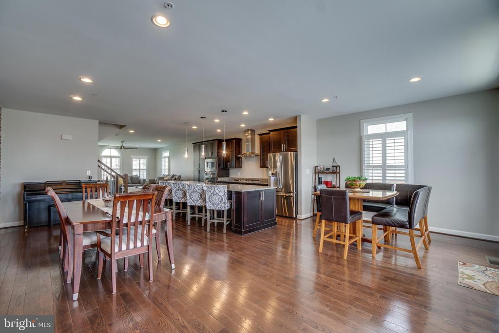 Gleaming hardwood floors - 20668 DUXBURY TER, ASHBURN