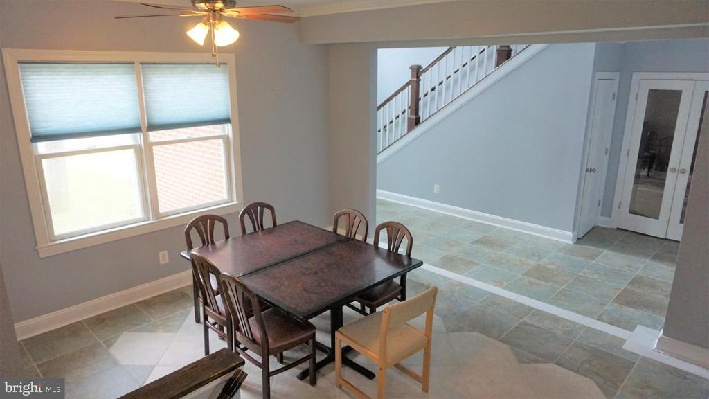 Mid-Level Over Looking Main Level - 7301 BRAD ST, FALLS CHURCH