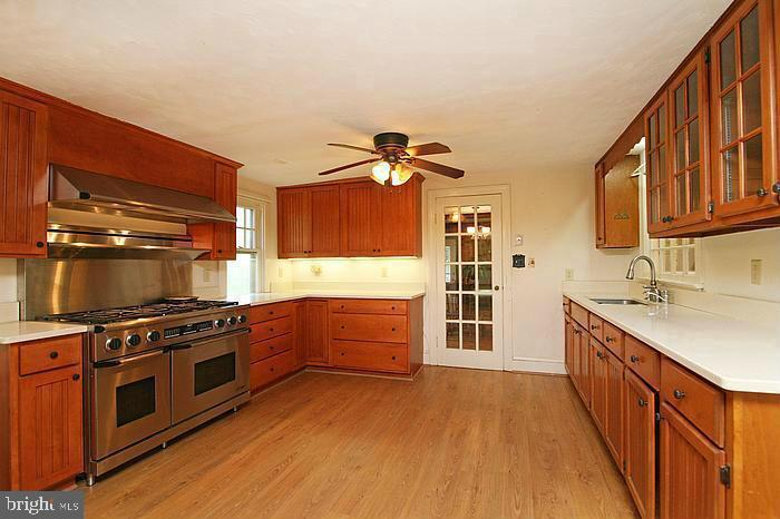 Kitchen with Commercial Stove - 5439 SHOOKSTOWN RD, FREDERICK