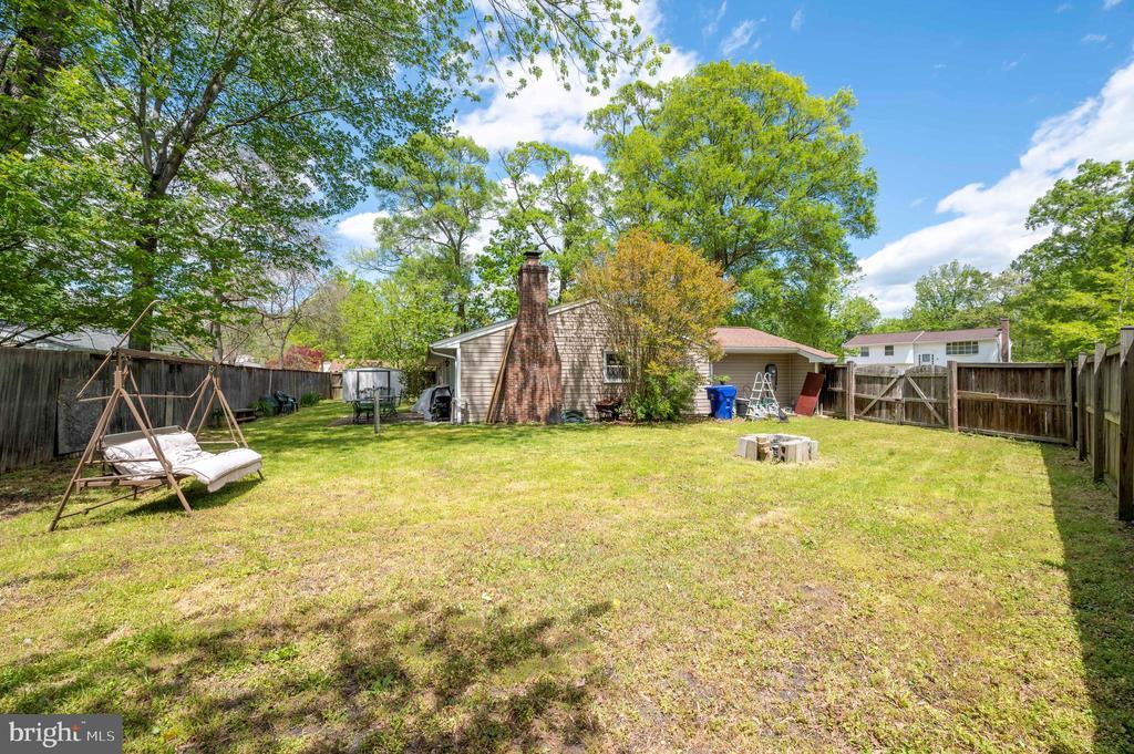 Backyard side - 2318 PINEFIELD RD, WALDORF