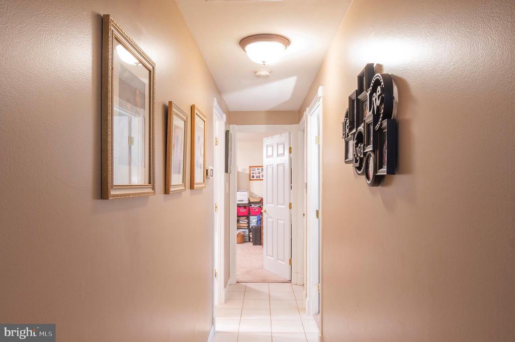 Hallway - 2318 PINEFIELD RD, WALDORF
