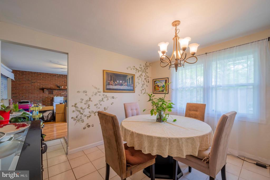 Dining Room Facing Family Room - 2318 PINEFIELD RD, WALDORF