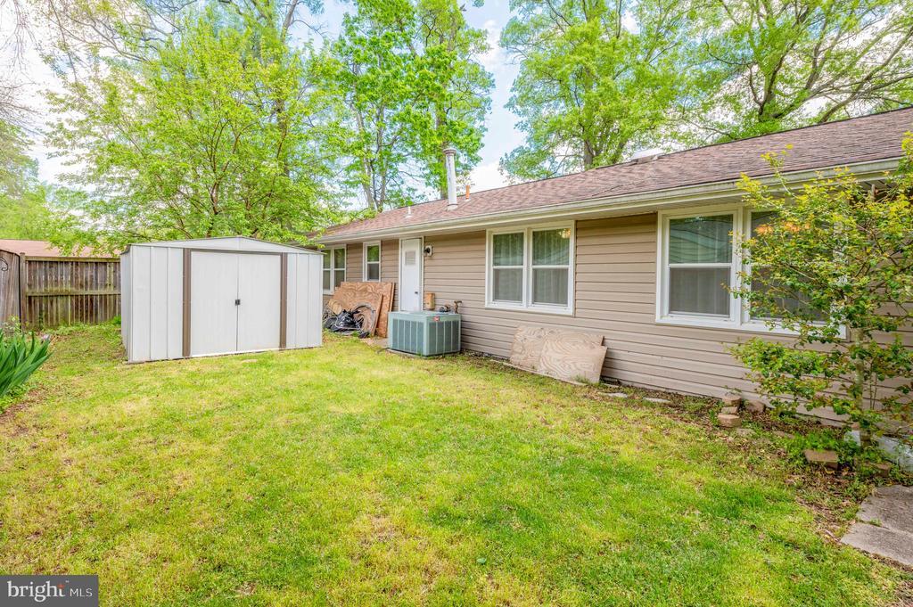 Backyard shed 2 - 2318 PINEFIELD RD, WALDORF