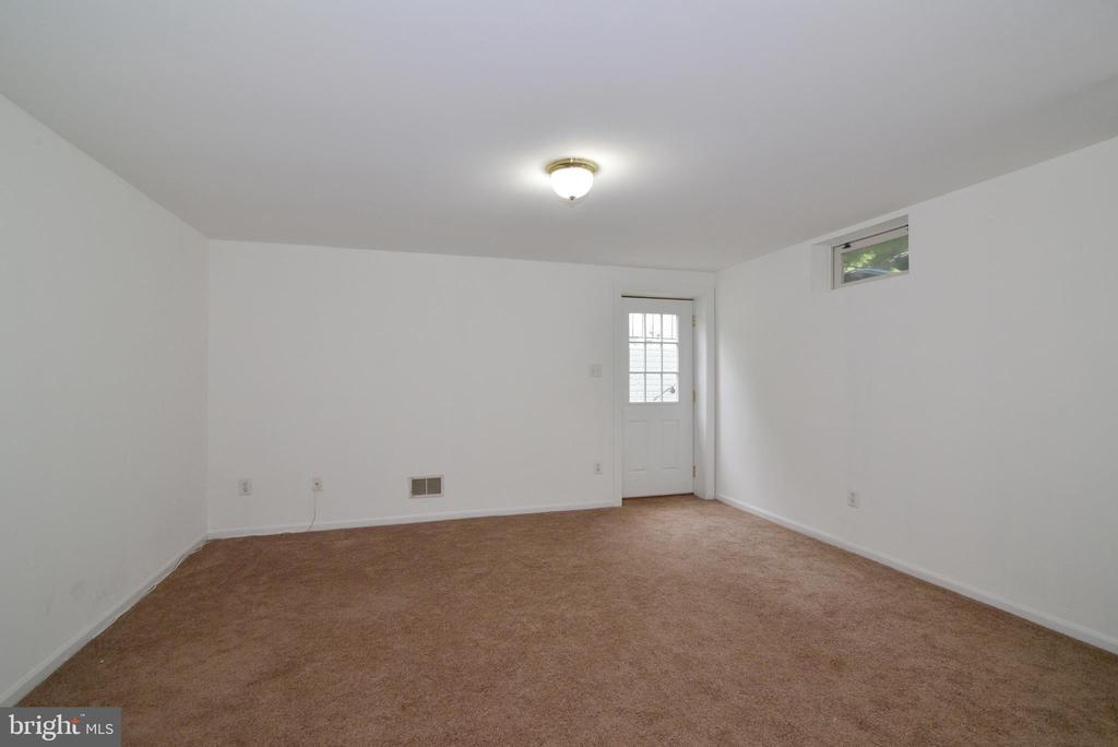Basement rec. room - 9306 KEVIN CT, MANASSAS PARK
