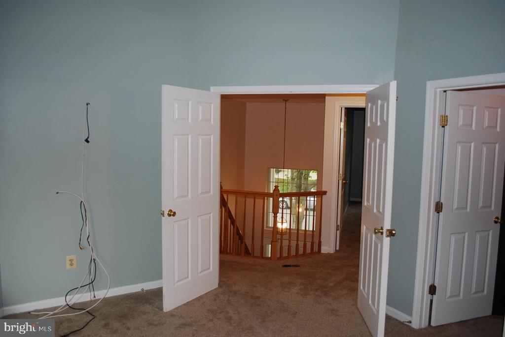 Double doors out of master bedroom - 19928 DUNSTABLE CIR #204, GERMANTOWN