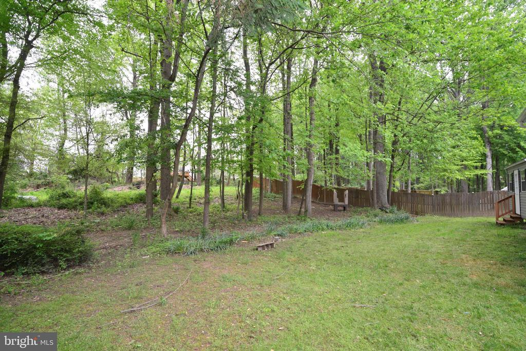 big back yard - 9306 KEVIN CT, MANASSAS PARK