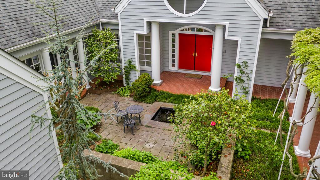 Privacy and yet so close to town. - 6 LOUDEN LN, ANNAPOLIS