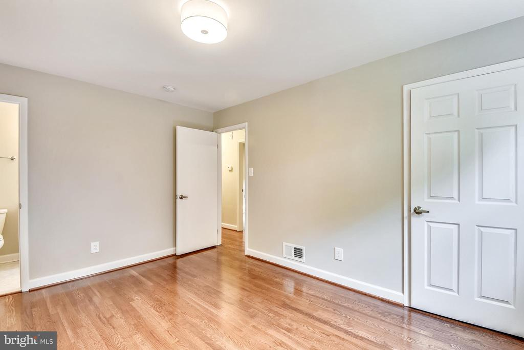 Master Bedroom - 4810 PEACOCK AVE, ALEXANDRIA