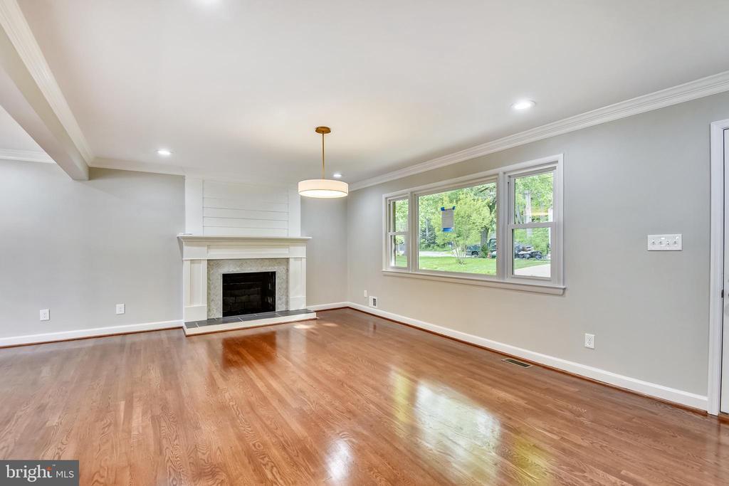Living Room - 4810 PEACOCK AVE, ALEXANDRIA