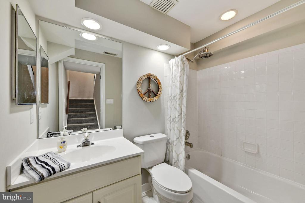 Basement Full Bath - 6046 RIVER MEADOWS DR, COLUMBIA