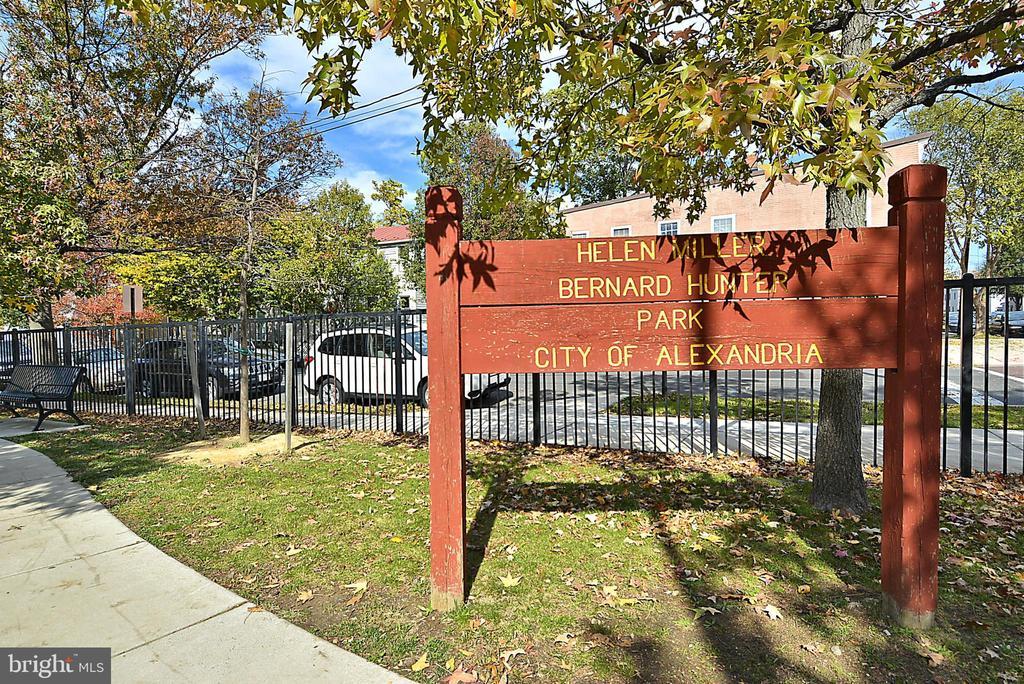 Helen Miller Park - 4810 PEACOCK AVE, ALEXANDRIA