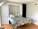 Murphy bed conveys - 808 CAMERON ST, ALEXANDRIA