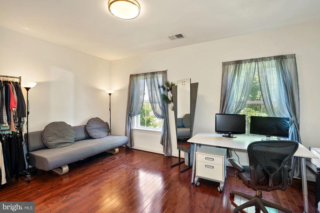 Brazilian Hardwood floor in Bedroom #4 - 2976 TROUSSEAU LN, OAKTON