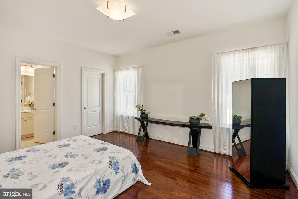 Bedroom #2 - 2976 TROUSSEAU LN, OAKTON
