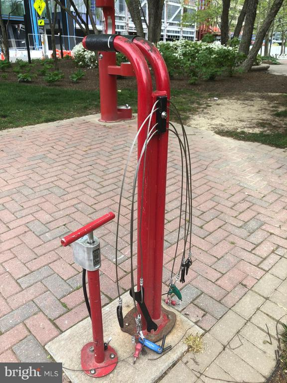 Trailhead Bike Pump Station - 1300 CRYSTAL DR #PH14S, ARLINGTON