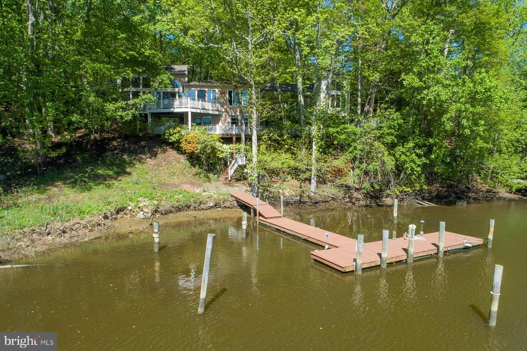 Private pier and house is out of the floodplain - 104 FOGLE DR, ANNAPOLIS