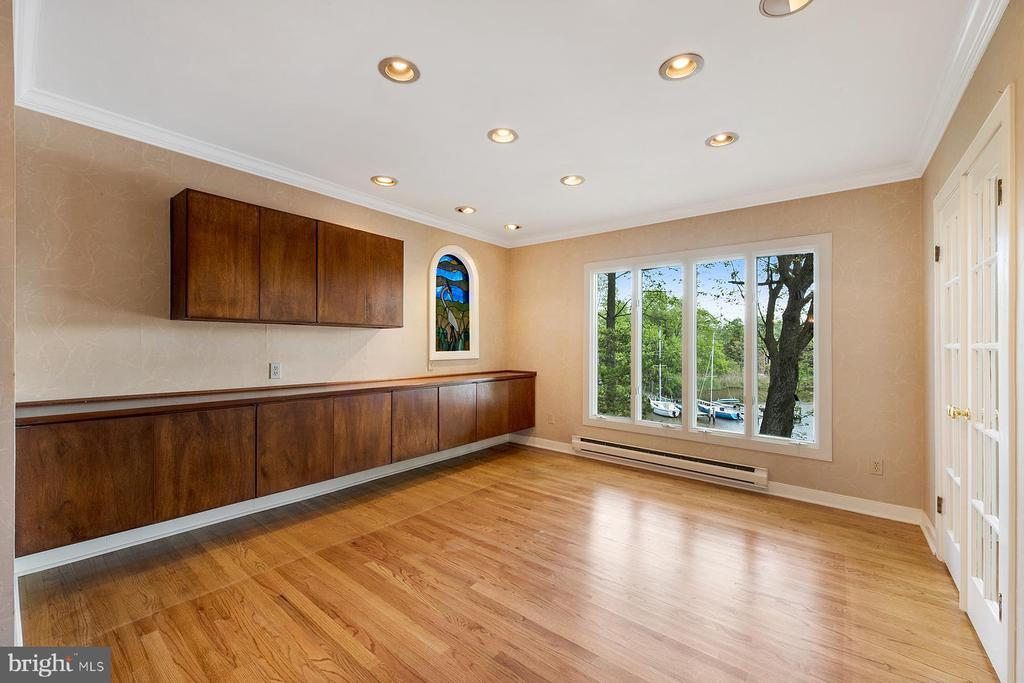 Dining room has water views - 104 FOGLE DR, ANNAPOLIS