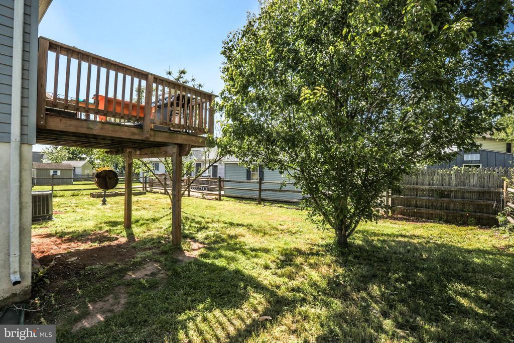 Fully Fenced Back Yard! - 11260 REMINGTON RD, BEALETON
