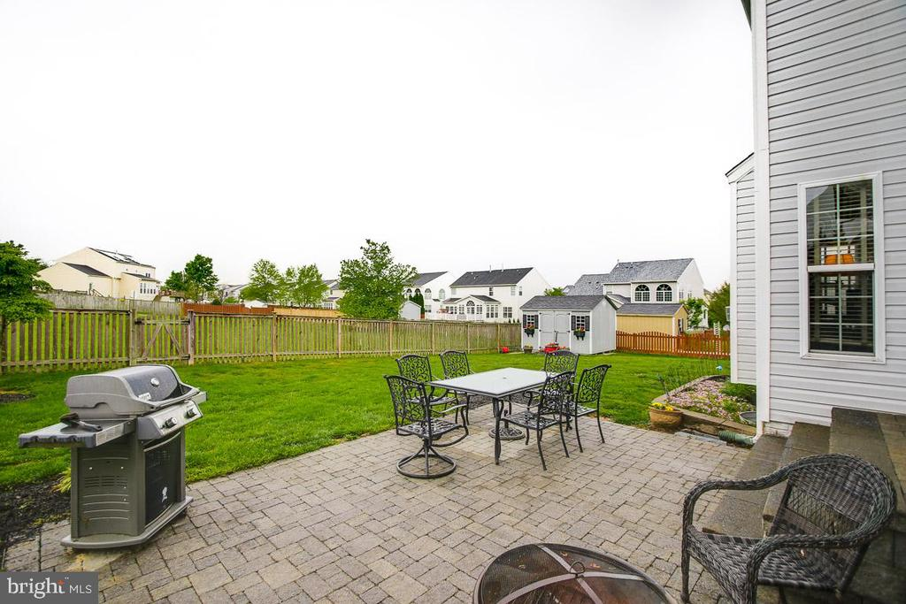 Outdoor entertainment area - 122 BEDROCK DR, WALKERSVILLE