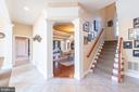 Hallway leading upstairs - 27531 PADDOCK TRAIL PL, CHANTILLY
