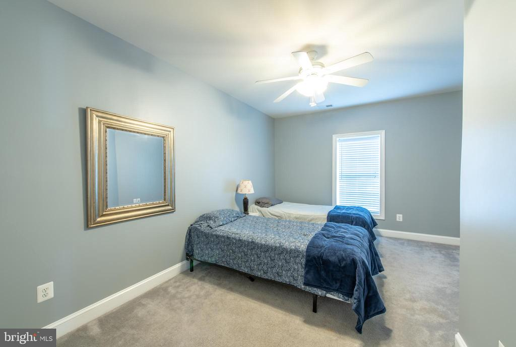Basement  bedroom #1 - 27531 PADDOCK TRAIL PL, CHANTILLY