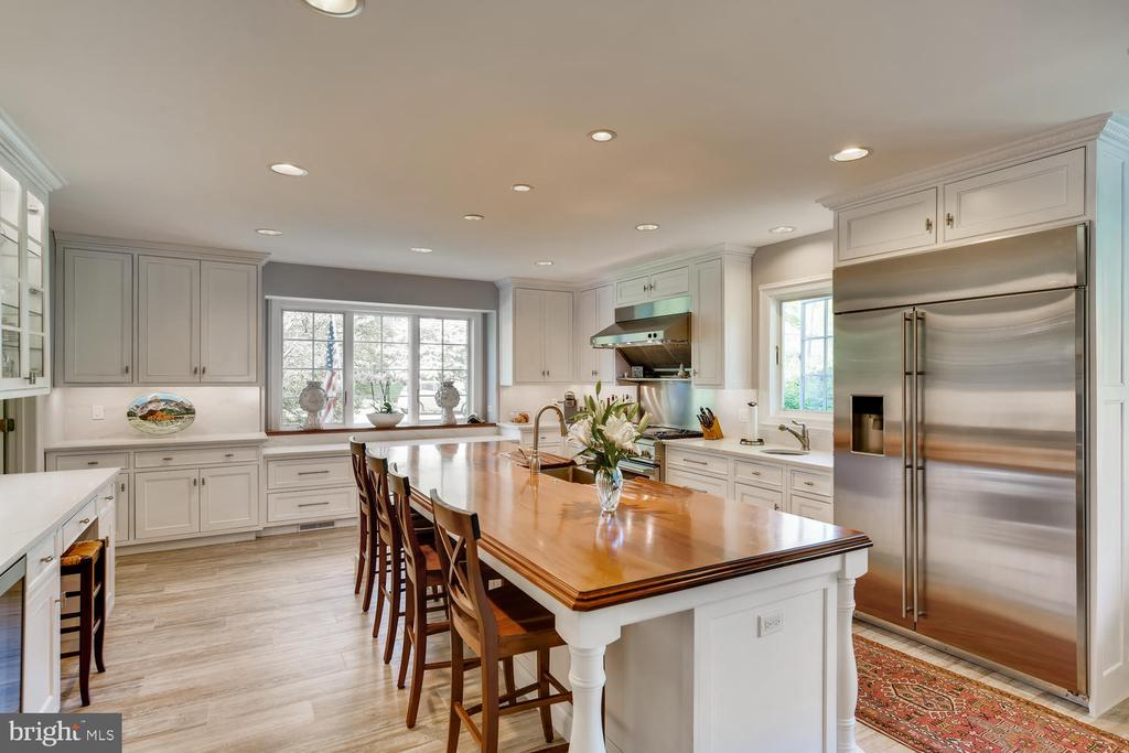 Kitchen with quartz counters - 1209 BERWICK RD, TOWSON
