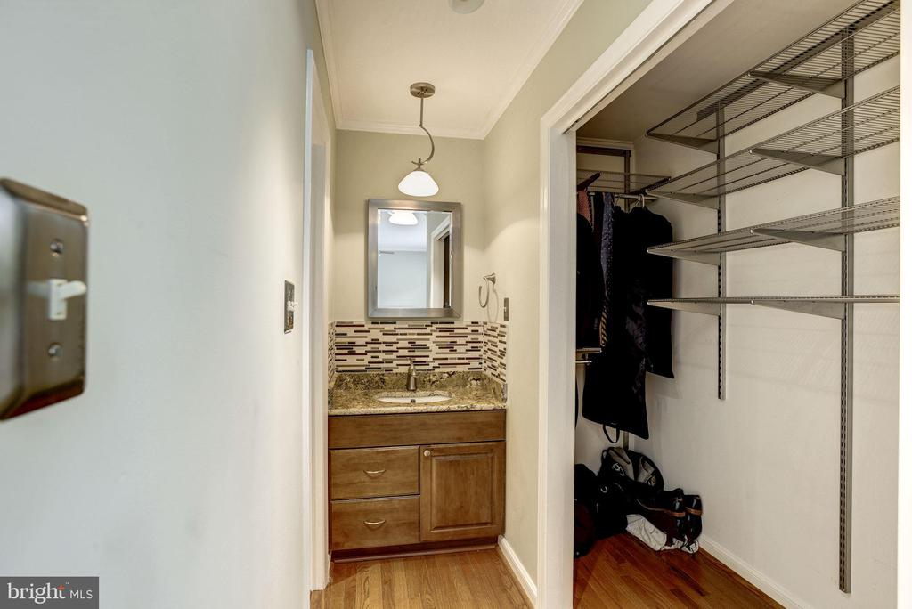 Master Bedroom #1 - Walk-In Closet & Vanity - 1145 N UTAH ST #1145, ARLINGTON