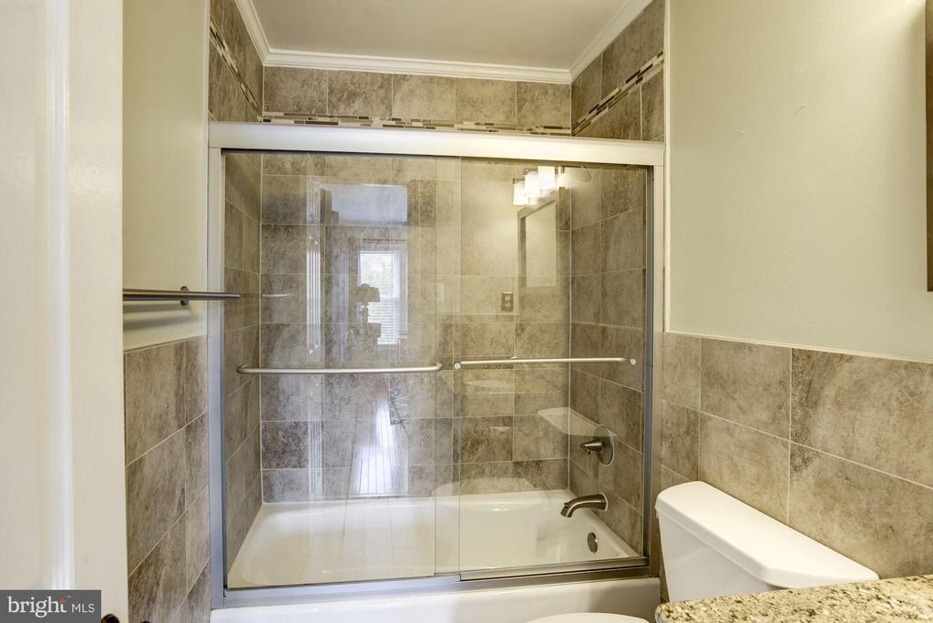 Master Bathroom #2 - Gorgeously Appointed! - 1145 N UTAH ST #1145, ARLINGTON