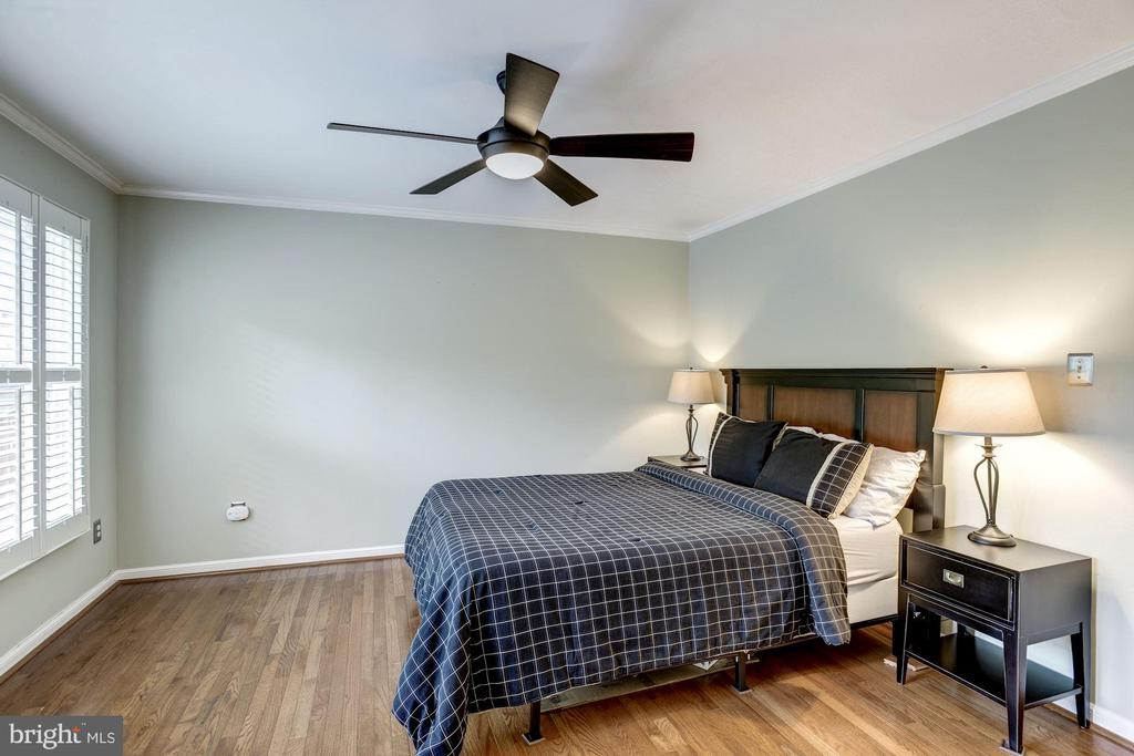 Master Bedroom #1 - Can Easily Hold King Size Bed - 1145 N UTAH ST #1145, ARLINGTON