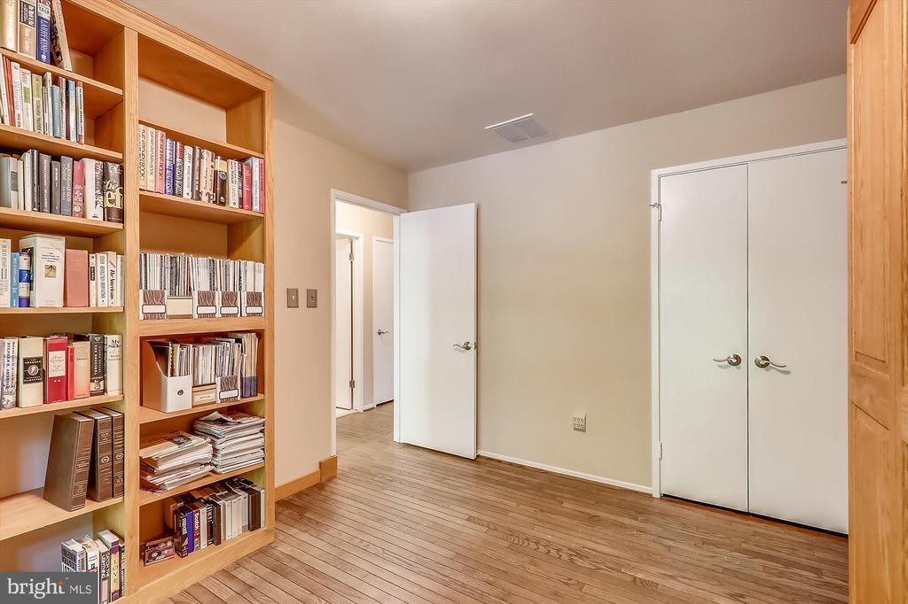 Upper Level 3rd Bedroom - 6604 PERSIMMON TREE RD, BETHESDA