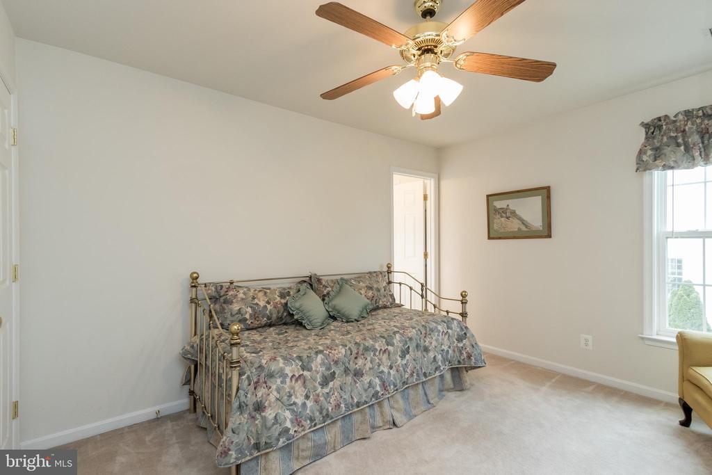 Bedroom 2 w/En Suite Bath - 43777 PARAMOUNT PL, CHANTILLY
