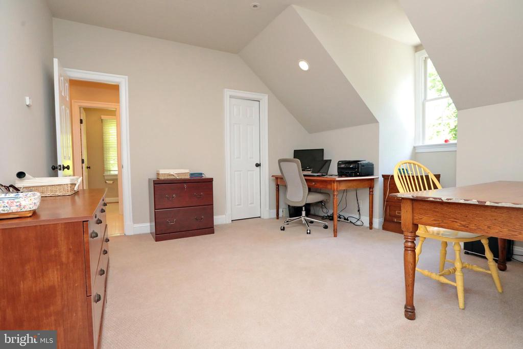 Bedroom #2 currently used as office - 9600 TERRI DR, LA PLATA