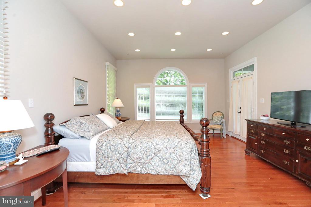 Large windows and french doors to back porch - 9600 TERRI DR, LA PLATA