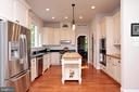 Stainless Steel Appliances and lots of lighting - 9600 TERRI DR, LA PLATA