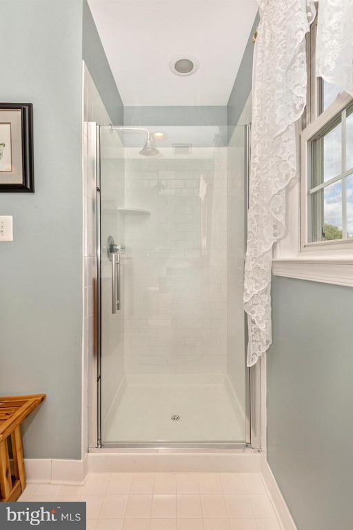 Hall Bathroom - 3639 WHEAT MILLER DR, MOUNT AIRY