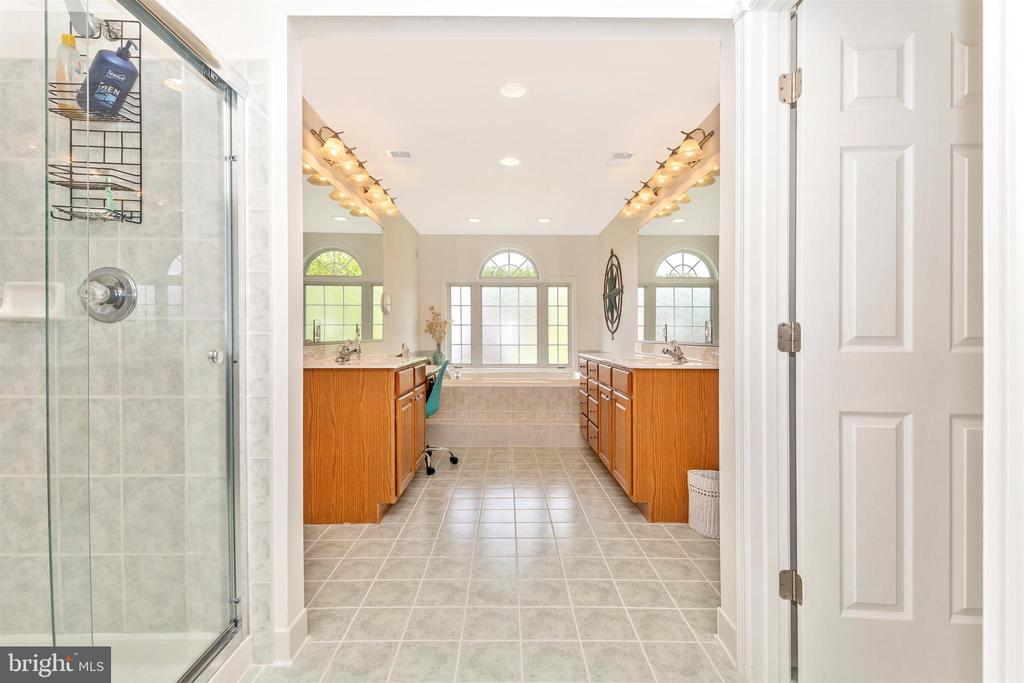 Master Bathroom - 3639 WHEAT MILLER DR, MOUNT AIRY