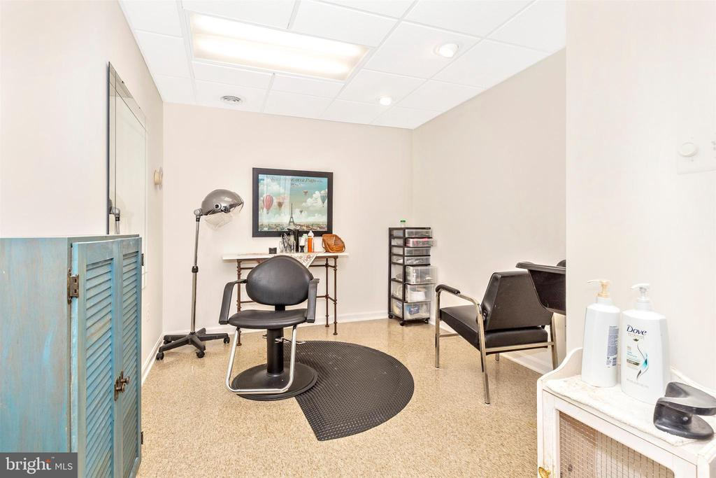 Hobby Room - 3639 WHEAT MILLER DR, MOUNT AIRY
