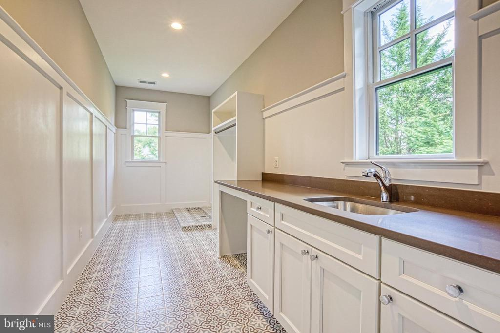 Laundry room - same model, different location - 6716 31ST ST N, ARLINGTON