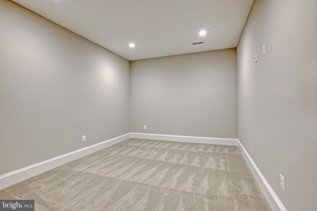 Exercise room - same model, different location - 6716 31ST ST N, ARLINGTON