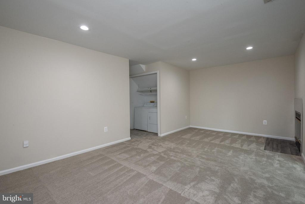 Recreation Room  w. laundry area in hallway - 14090 RED RIVER DR, CENTREVILLE